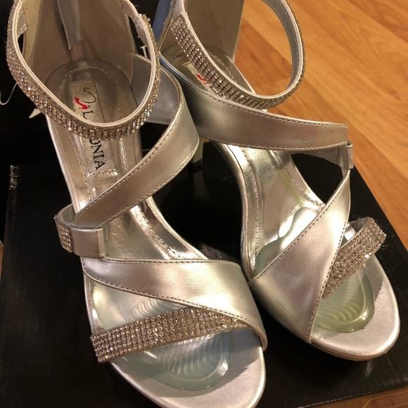 417b27d8d7cd3 lasonia Shoes - Worn once to a gala